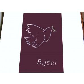 Hoes Huisbijbel 16x24 bordeaux met duif wit Messiaan H-1624021